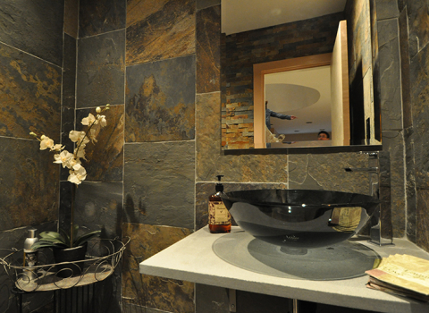 Bathroom - Merrick