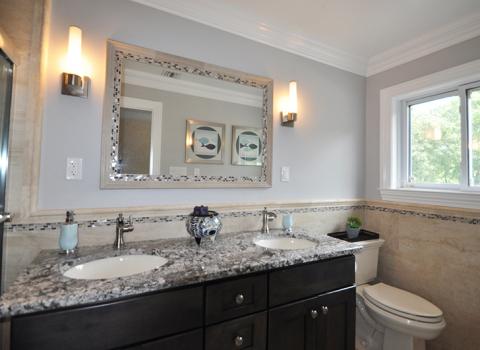 Hallway Bathroom - Bayport
