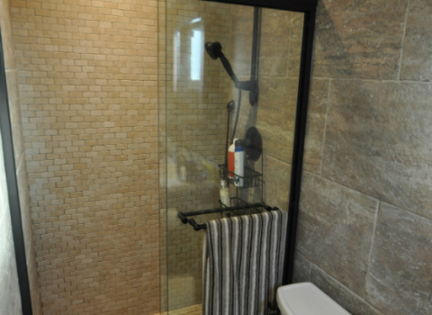 On Suite Bathroom - Great Neck