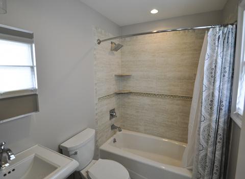 Hallway Bathroom - Oyster Bay