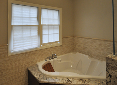 On Suite Master Bath - Manhasset