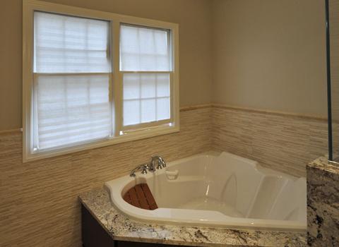 On Suite Master Bath - Manhasset