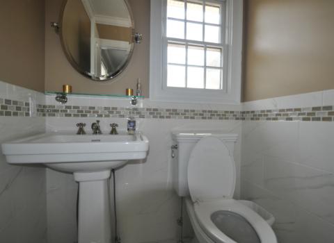 Half Bathroom - Merrick