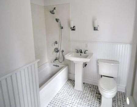 On Suite Bathroom - Old Brookville