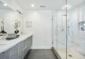 bathroom-3346387_1920