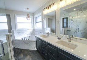 bathroom-3689922_1920