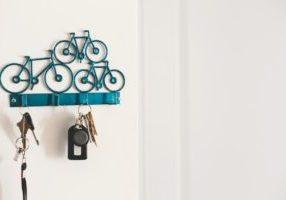 blue-bike-shaped-key-hook_925x
