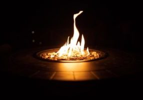 gas-fire-pit-at-night_925x