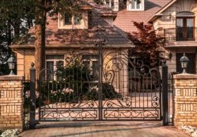 gated-house-exterior_925x