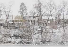 hillside-homes-dusted-with-snow_925x