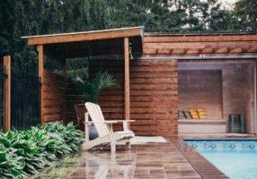 rainy-day-poolside_925x