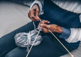 senior-knitting_925x