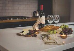 wine-and-cheese-pairing_925x