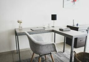 workplace-5517744_1920 (1)